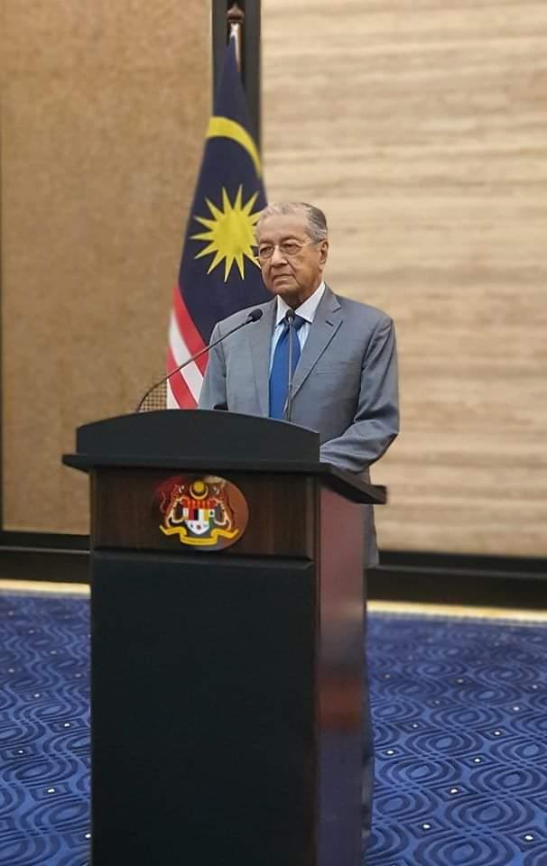 PERUTUSAN KHAS  YAB TUN DR. MAHATHIR BIN MOHAMAD, PERDANA MENTERI INTERIM MALAYSIA