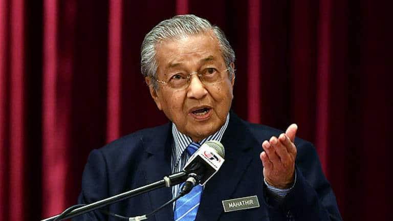 Kandungan pembacaan alam digital tanpa sekatan boleh merosakkan masyarakat – Dr Mahathir