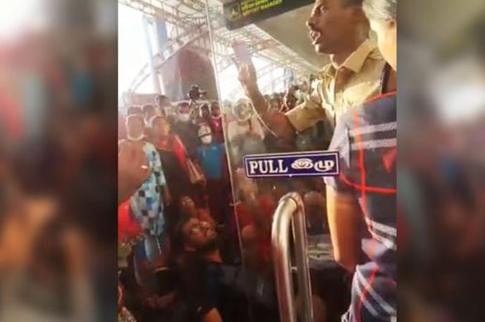 Penerbangan Ke Malaysia Dibatalkan, Rakyat Malaysia Terkandas di India