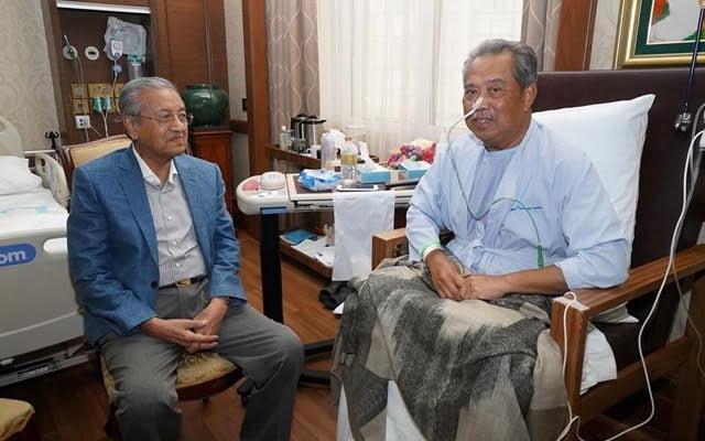 Mahathir vs Muhyiddin : Siapa akan pecat siapa?
