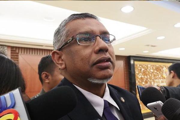 Hanipa buka mulut isu dakwaan pemimpin Amanah sokong Mahathir, ketepi Anwar