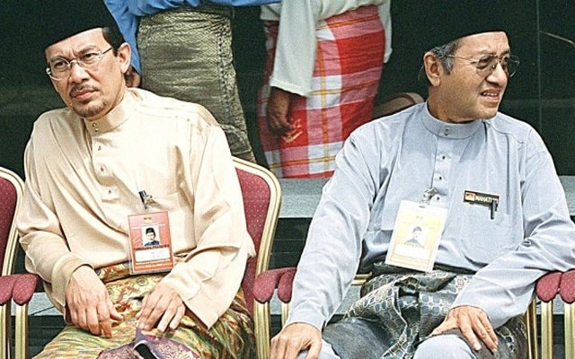 Mengapa Mahathir begitu fobia dengan Anwar?