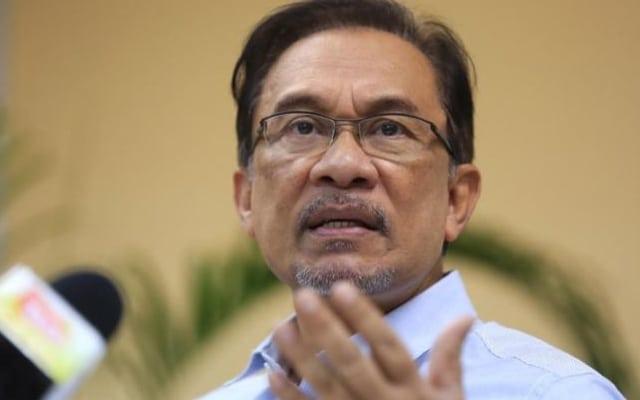 Pengampunan penuh YDPA tidak boleh dicabar, kata peguam Anwar