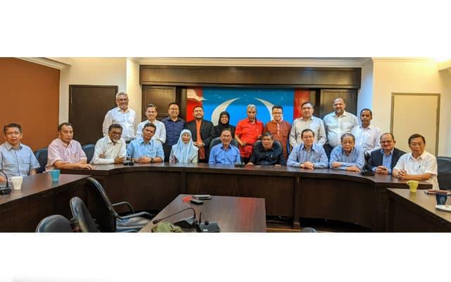Parti komponen PH solid sokong Anwar