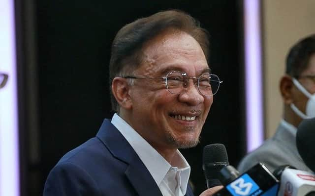 Sah!!! Najib dan Zahid tidak masuk senarai sokong Anwar, namun majoriti cukup