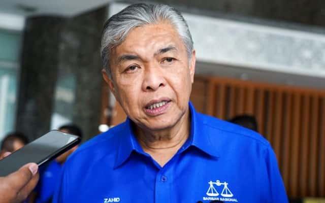 Keluar kerajaan : Zahid dilapor kumpul tandatangan MP Umno
