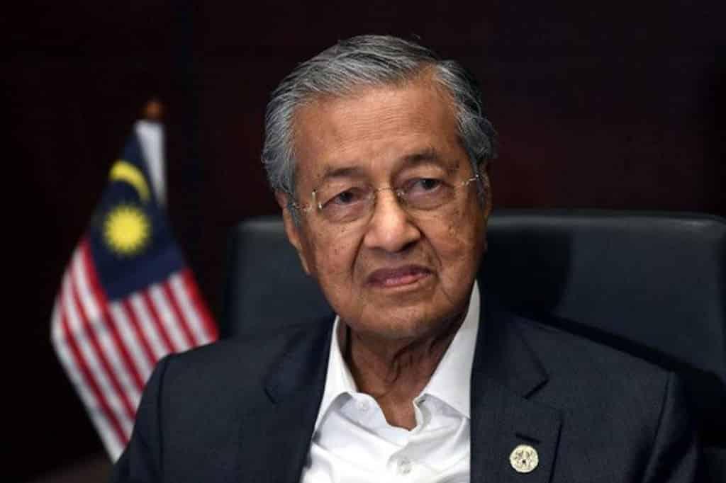 Titah Agong supaya kurangkan berpolitik juga dituju kepada blok kerajaan – Tun M
