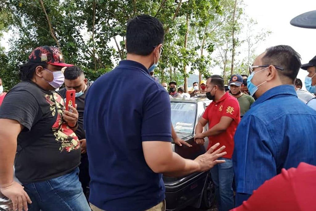 Kecoh !!! K'jaan Terengganu roboh sangkar ikan rakyat, satu penindasan