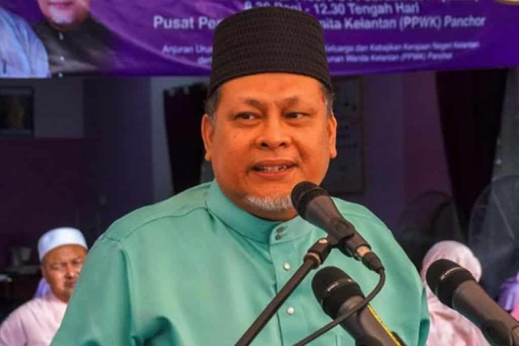 Pertimbang tarik balik sokongan kepada PN, itu hak Umno, ujar Nik Amar