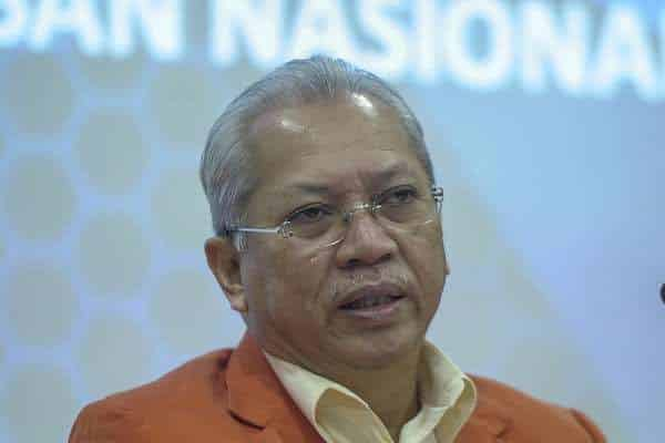 Umno yang silap dalam isu jawatan Ketua Menteri Sabah – Annuar Musa