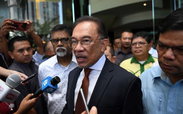 Gempar !!! MP PKR sahkan Anwar akan letak jawatan dalam tempoh 7 hari jika gagal buktikan sokongan