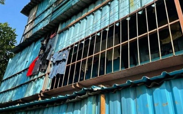 KEJAM | 781 pekerja tinggal dalam 2 blok kontena, kilang sarung tangan diarah tutup