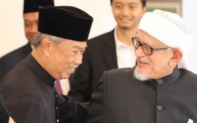Mengapa Pas pilih Bersatu bukan Umno?