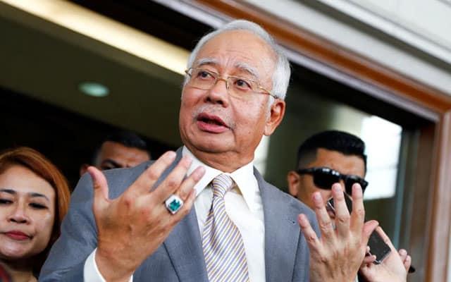 Kerajaan dah kalah undi bajet kalau saya, Zahid sokong Anwar – Najib