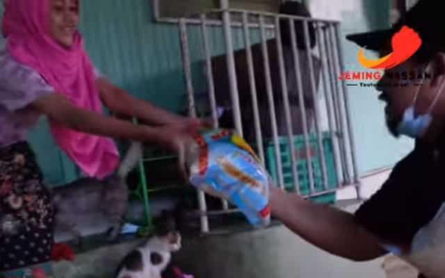 [Video] Youtuber ini habiskan duit i-Sinar demi bantu mangsa banjir