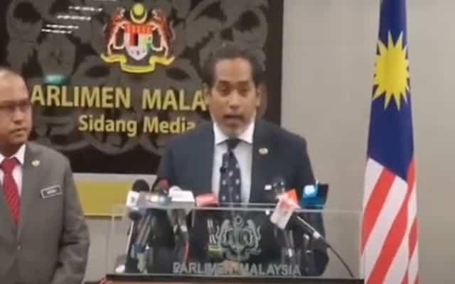 Gempar !!! Khairy akan letak jawatan menteri kerajaan PN
