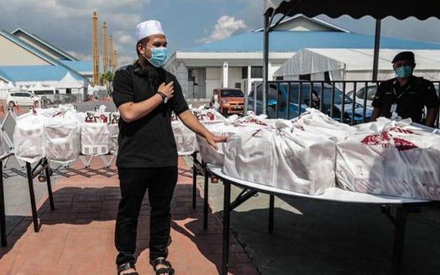 1200 kotak KFC untuk fontliner, Ebit Lew menyumbang lagi dan lagi….
