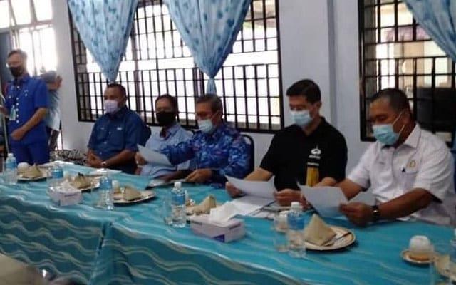 Penyokong Azmin pertahan tindakan Azmin, Akmal yang berniat jahat