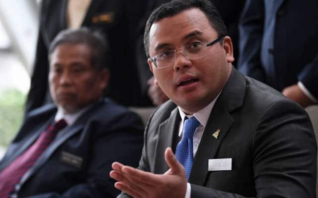 Isu pendaftaran AstraZeneca : Benda bole bincang, buat apa nak 'perang' – MB Selangor