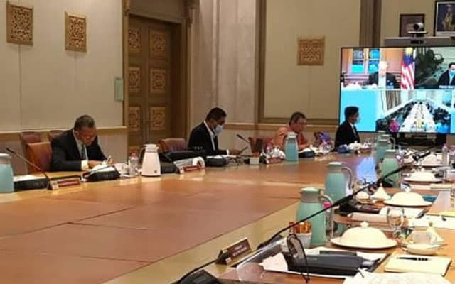 Setiausaha politik menteri positif Covid-19 setelah hadir mesyuarat khas MKN