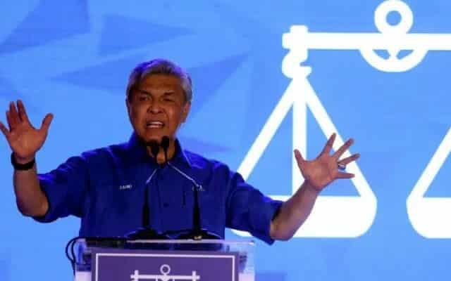 Gempar !!! Zahid arah MP BN 'keluar' dari kerajaan PN sebelum 1 Februari