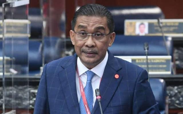 Status 'poyo', Takiyuddin kena sekolah dengan netizen