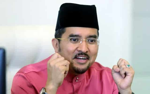 Panas !!! Asyraf dedah usaha haramkan Umno temui kegagalan