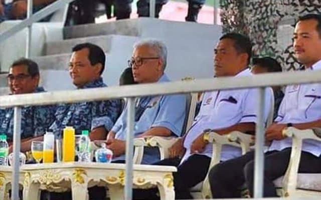 Panas !!! Menteri yang umum SOP kantoi tak ikut SOP, padam gambar di media sosial
