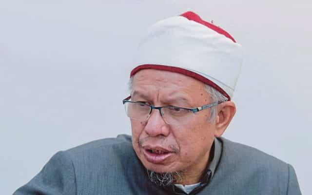 """Panas !!! Menteri Agama pernah ditanya Tun M, """"Dato boleh terima penyamun bersama?"""" ini jawapan Menteri.."""