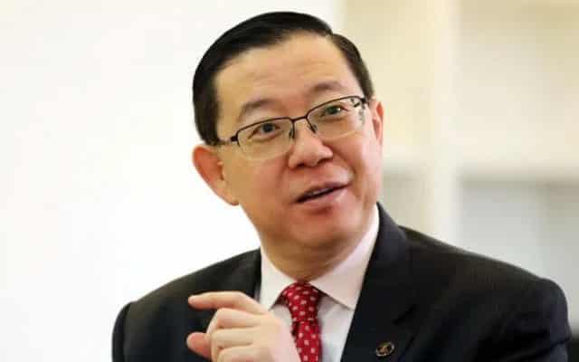 Susulan pengakuan MP Tebrau ditawar jawatan, Lim persoal SPRM berani tak siasat Muhyiddin?