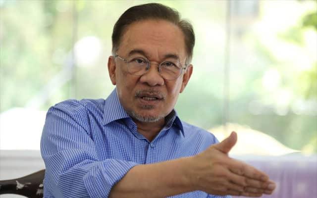 Anwar dakwa PN amat terdesak 'beli' dan 'ugut' MP
