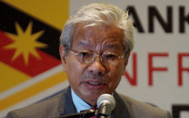 Panas !!! Timb KM Sarawak 'tibai' pemimpin Pas, Umno isu kalimah Allah