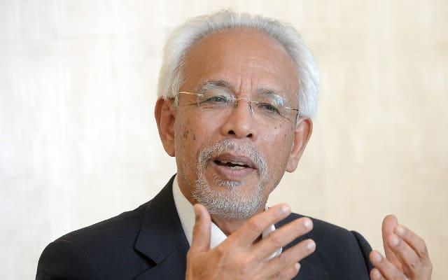 Kerajaan PN guna Sains dan Data untuk derhaka pada titah Agong, kata Shahrir Samad sinis