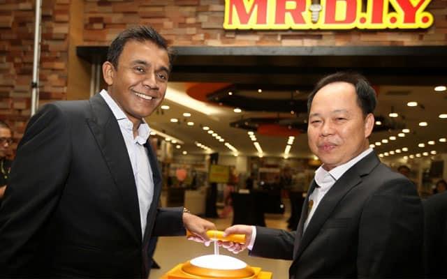 Adik beradik pemilik MR DIY tersenarai bilionair Forbes ke-35