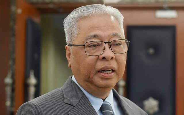 Majoriti Ismail Sabri tipis, blok menyokong saling bercakaran