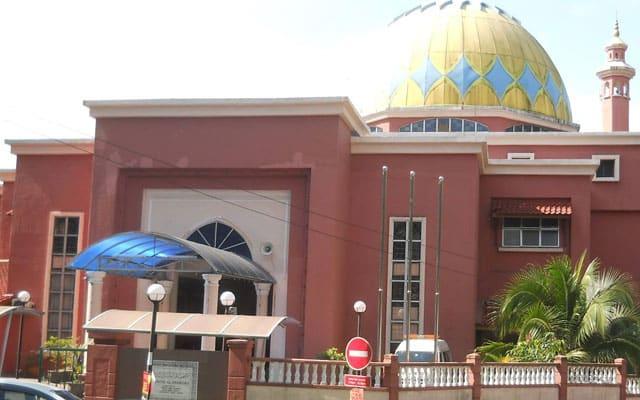 Gempar !!! Tular Masjid di Gombak tersalah azan Maghrib 3 minit awal, siapa berbuka perlu ganti balik