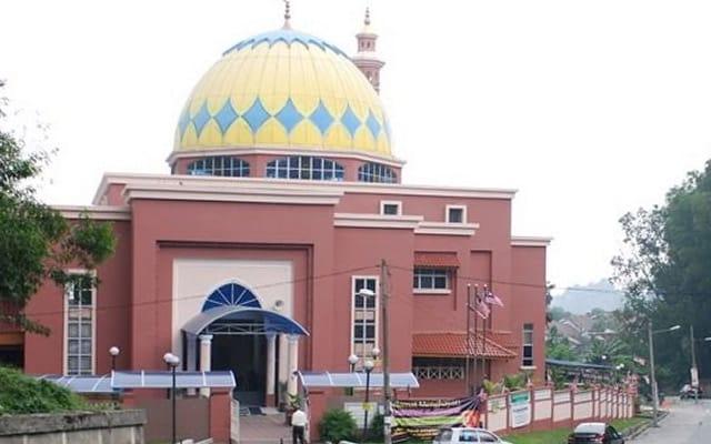 Pihak masjid mohon maaf, laung azan maghrib 3 minit awal pada 7 Ramadan