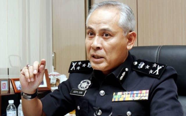 'Otak di kepala lutut', Polis siasat pembaca berita TV