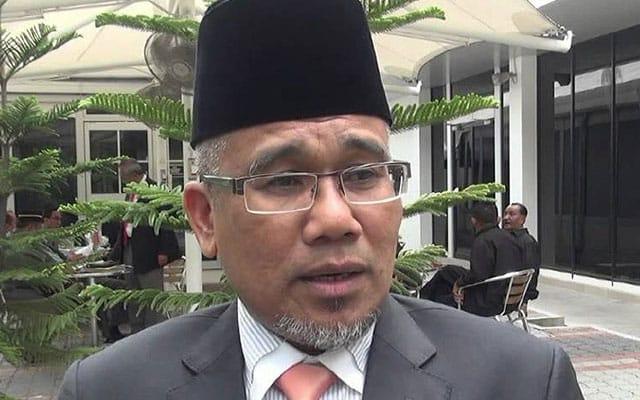 Gempar !!! Pengerusi Lembaga Getah Malaysia ditamatkan perkhidmatan?