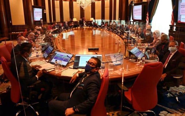 Malaysia perlu bentuk kerajaan perpaduan segera, kata bekas penyelidik Bank Dunia