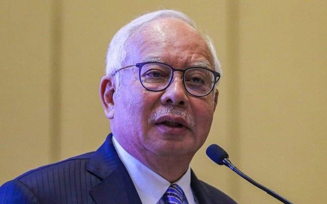 Panas !!! Najib sekolahkan Muhyiddin cara nak buat PKP penuh
