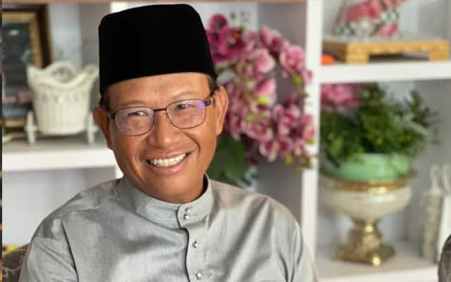 Ada cerita nakal ditulis orang luar tentang Malaysia – Shabery Chik
