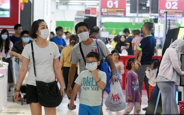 SOP baru : Pelanggan dibenarkan berada dalam pusat beli belah maksimum 2 jam sahaja – Menteri