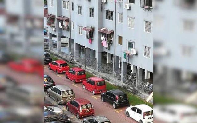PKPD : Penduduk Pangsapuri Sri Penara dakwa hanya 2 tin sardin diterima untuk buat lauk