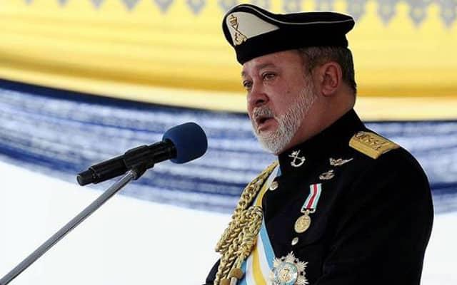 Sultan Johor kecewa, baru 10 peratus rakyat Johor divaksin