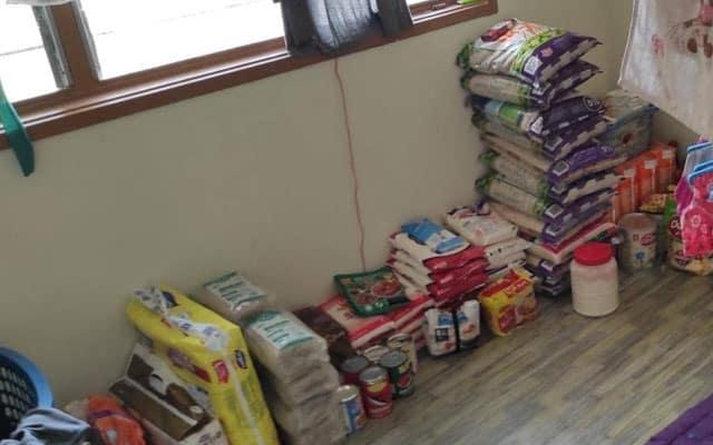 Sukarelawan terkejut tengok barang bantuan bertimbun dalam rumah penerima