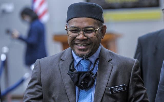 Khairuddin minta rakyat kawasannya jangan angkat bendera putih, hubungi saja