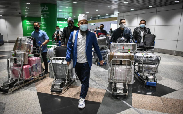 Ebit Lew tiba di Malaysia, sambung misi dalam negara
