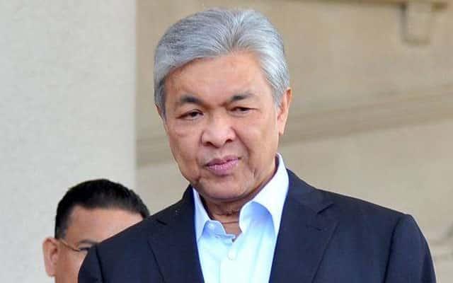 Panas !!! Sumber sahkan Zahid panggil pemimpin Umno, bincang 'tinggalkan' kerajaan PN