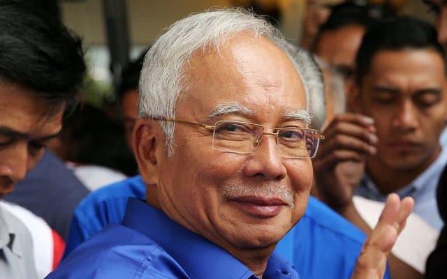 Panas !!! Tahniah, tapi tunggu keputusan MKT Umno malam ini – Najib